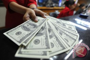 Dolar AS melemah tertekan pernyataan pejabat Fed