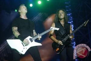 Foto penampilan Metallica di Jakarta