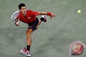 Djokovic Kalahkan Nishkori untuk Raih Gelar Toronto