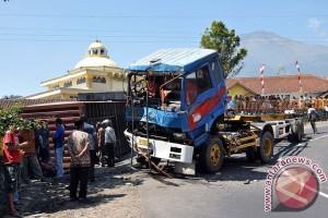Kecelakaan maut Cianjur, polisi masih coba keluarkan supir