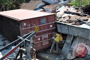Kecelakaan maut Cianjur, supir truk selamat meskipun terjepit dua jam