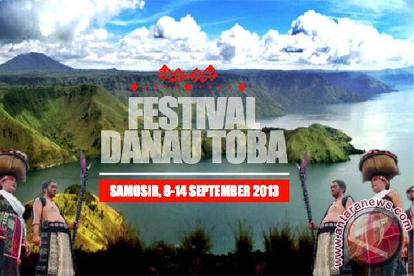 Festival drum dunia pertama di Danau Toba