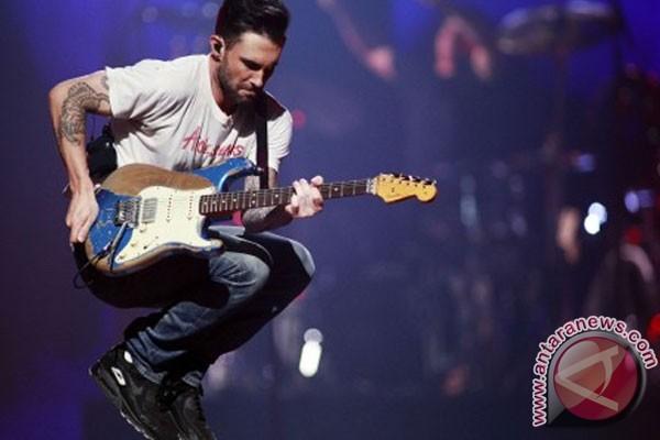 Maroon 5 Batalkan Konser Karena Isu Transgender