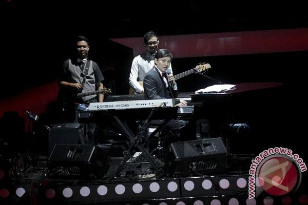 Yovie Widianto ciptakan lagu di panggung konser - ANTARA News