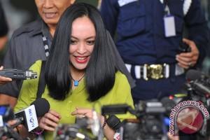 KPK periksa Angelina terkait kasus PON Riau