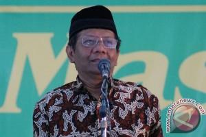 Mahfud MD kukuhkan pengurus Kahmi Jawa Timur