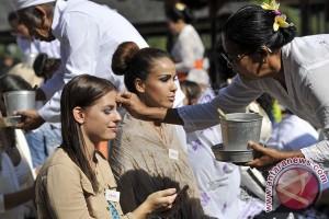 1.053 polisi kawal protes Miss World di Jatim