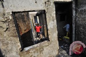 Dua rumah warga Kolaka ludes terbakar