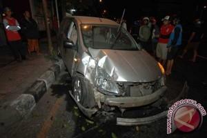 Kecelakaan mobil bak terbuka tewaskan dua penumpang