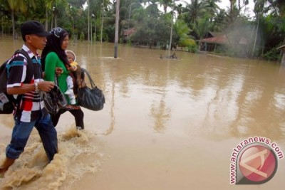 Masyarakat pedalaman Aceh Barat terkurung banjir