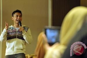 """Jurnalis Jawa Timur ditantang """"stand up comedy"""""""
