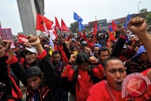 KSPI klaim 100 ribu buruh turun ke jalan