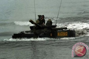 Tank BMP-3F dan baret kehormatan Korps Marinir TNI AL