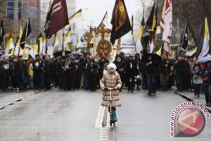 Polandia dilanda krisis konstitusi, ribuan orang turun ke jalan