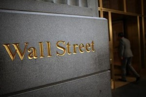Wall Street menguat