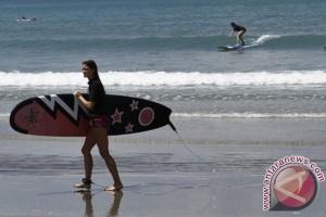 Wisata Surfing