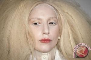 Piano Lady Gaga tidak laku dilelang