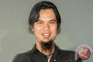 Netizen mencibir cuitan Ahmad Dhani di Twitter soal bom Sarinah