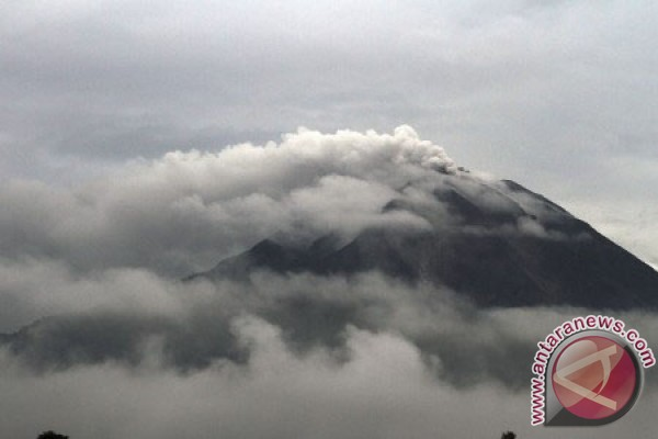 Sinabung emergency response extended until January 4