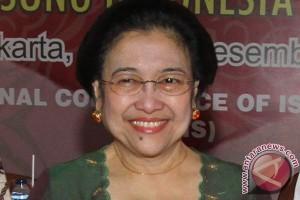Teman kuliah ingat Megawati mahasiswi yang sangat teliti