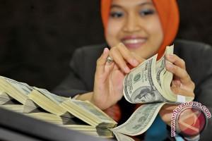 Dolar AS melemah tertekan data ekonomi suram
