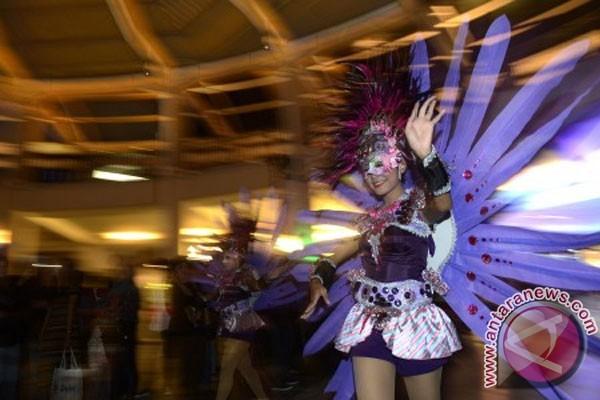 Pesta Topeng Tahun Baru - Foto ANTARA News
