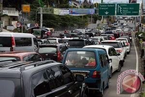 Polres Bogor imbau pengendara hindari jalur alternatif menuju Puncak