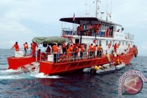 SAR Kendari evakuasi penumpang setelah terapung berjam