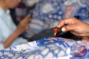 Pesanan batik tulis cirebonan untuk Singapura meningkat
