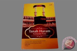 Pengembaraan batin di Tanah Haram dalam bait-bait puisi