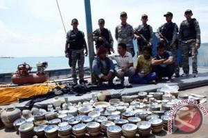 TNI AL tangkap kapal muatan harta karun