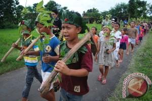 Siswa SD ajak masyarakat lestarikan lingkungan