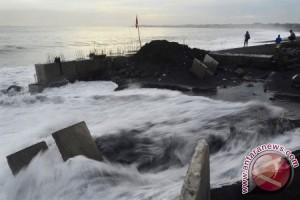 Abrasi Pantai Bali