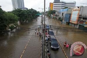 Tanggul banjir Jakarta akan ditinggikan lagi