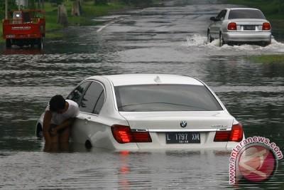 BPLS kerahkan 12 pompa atasi banjir Porong