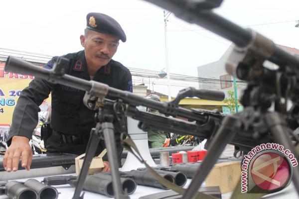 Senpi jelang pemilu pemeriksaan senjata api pemeriksaan senjata api