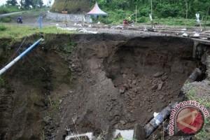 Jalur Evakuasi Gunung Kelud Amblas
