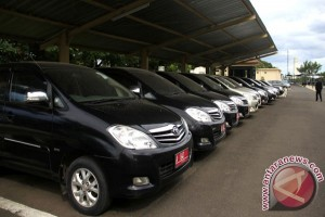 Pemkot Surakarta kandangkan kendaraan dinas