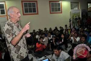 Poeze: Tan Malaka tetap pahlawan nasional