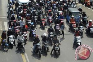Melanggar Hak Penyeberang Jalan