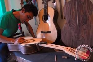 Bandarlampung tarik wisatawan dengan gitar klasik