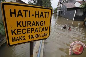 Aktivitas warga perumahan Nasio Bekasi lumpuh akibat banjir