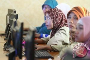 2.896 guru di Karimun ikuti uji kompetensi online