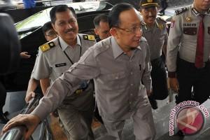 Hendarman Supandji Datangi KPK
