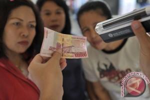 Polres Karawang tangkap ibu, anak jualan Rp100 juta uang palsu
