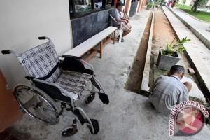 Ratusan orang tua telantar di Malang