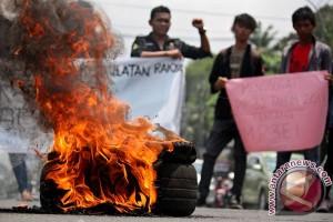 Kritisi Pemerintahan SBY - Boediono
