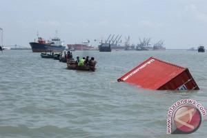 9 tewas dalam insiden karamnya kapal pembawa TKI