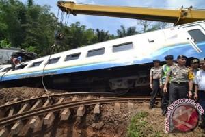 Tiga tewas dalam kecelakaan KA, dua pegawai PT KAI