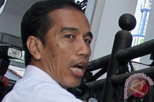 Jokowi bersantai di Waduk Pluit jelang pengumuman KPU